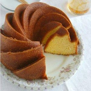 bolo-de-laranja-–-fofinho-de-liquidificador-com-calda-simples-suco-receita-com-casca-cremoso