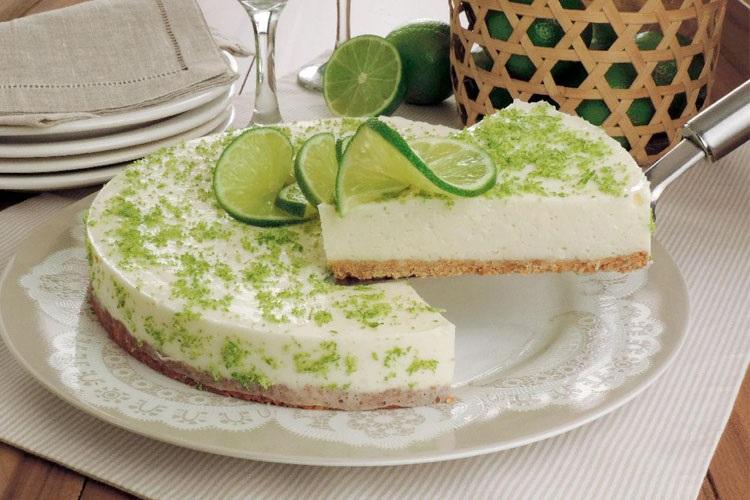 torta-de-limão-com-farinha-de-trigo-e-manteiga